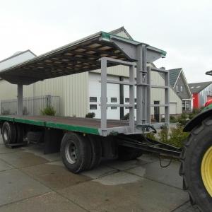 Landbouwwagen met hefdak