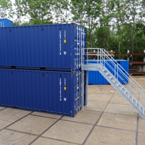 Container bordes met trap
